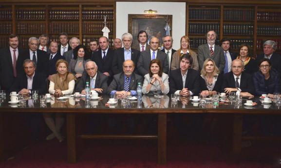 Stolbizer estuvo hoy en la reunión de la Asociación de Magistrados