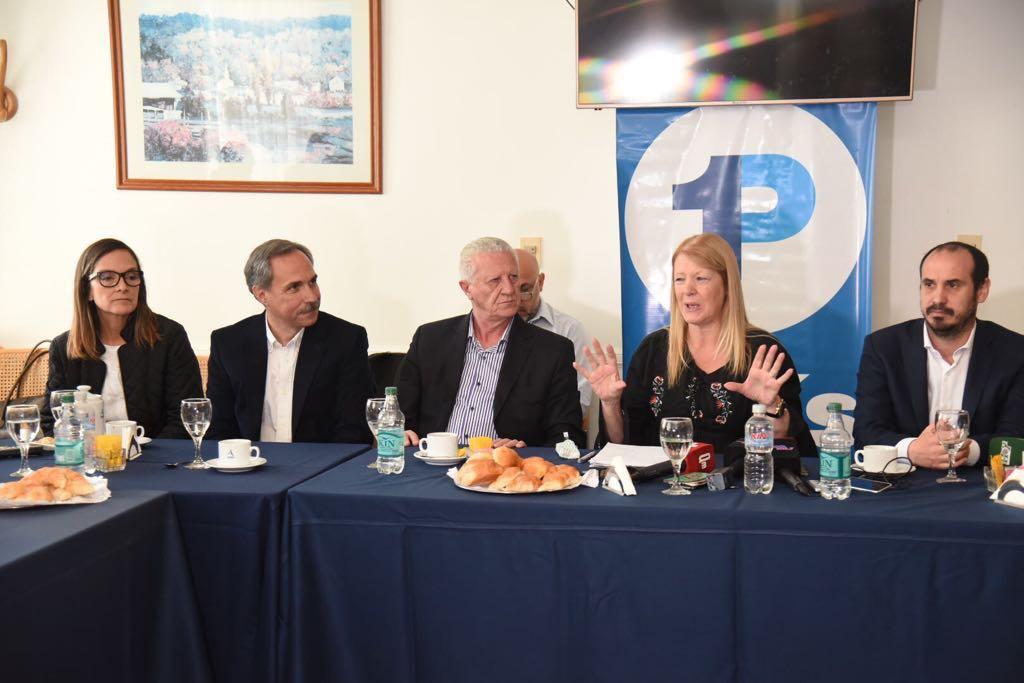 Margarita Stolbizer,encabezó esta mañana una conferencia de prensa en la Ciudad de La Plata junto al candidato a Diputado Nacional, José Sarghini, el candidato a diputado provincial,  José Arteaga, y Gastón Crespo, candidato a Concejal de La Plata. Realizó un duro análisis de la campaña y la asignación de recursos provinciales.