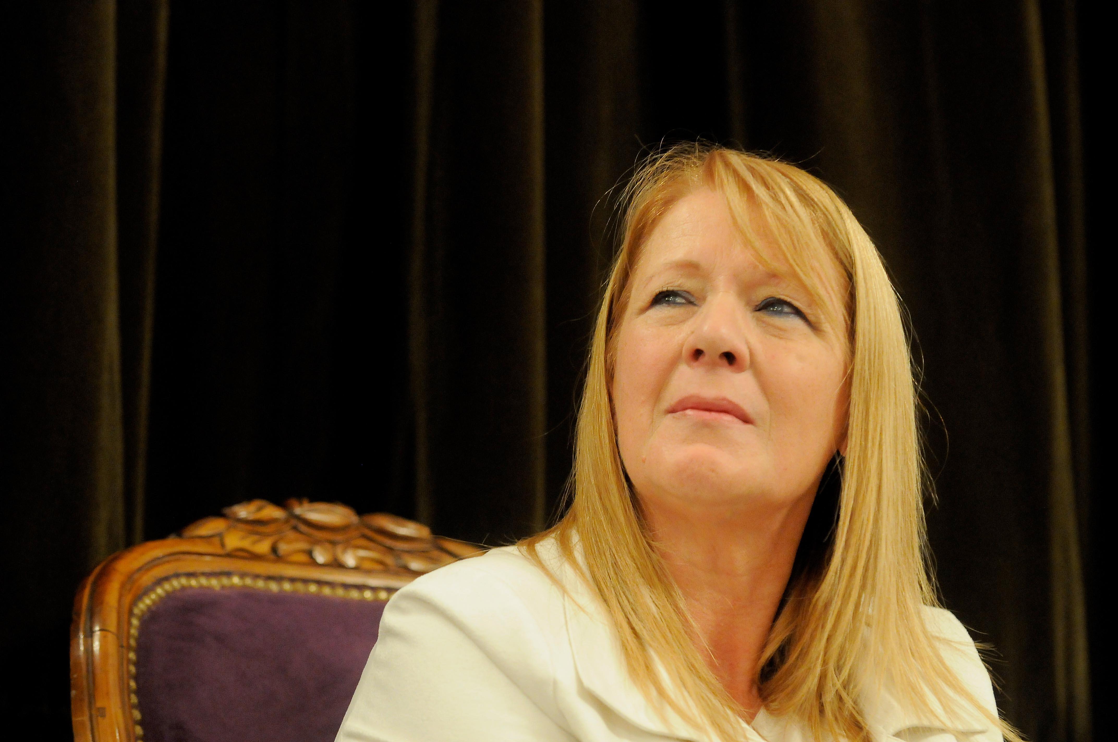 """Margarita Stolbizer (Partido GEN), envió una carta al Presidente de la Nación con una propuesta para aplanar las facturas de servicios públicos, especialmente gas y electricidad """"con estricta voluntad de cooperación para formular una propuesta que pueda ser considerada""""."""