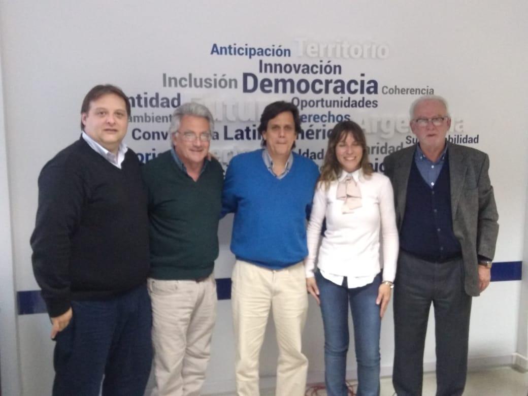 Con la expectativa puesta en el 2019 y la agenda pendiente del progresismo en la Provincia de Buenos Aires, el Partido Socialista y el Partido GEN, realizaron una reunión de concertación y articulación de trabajo en el CEMUPRO de Ciudad de Buenos Aires.