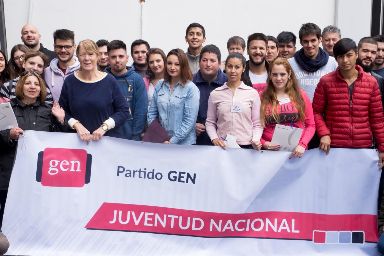 Con gran alegría militante se realizó ayer en la ciudad de La Plata, el encuentro anual de los jóvenes del GEN.
