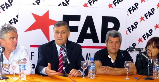 El FAP recorre el país para ofrecer una alternativa a las demandas de la gente