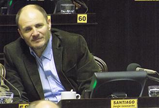 Diputado Santiago promueve la creación de un Registro Notarial de Poderes de Representación