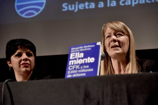 """Presentación de """"Ella miente. CFK y los 2.000 millones de dólares"""""""