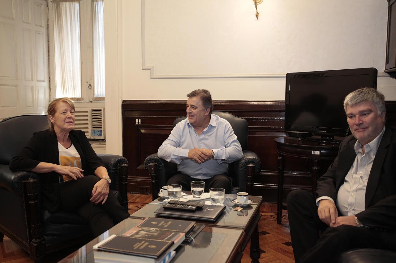 Lo hizo acompañada del diputado electo Marcelo Díaz, a quien denuncian, se proscribe en su derecho de ingreso al Congreso de la Nación.
